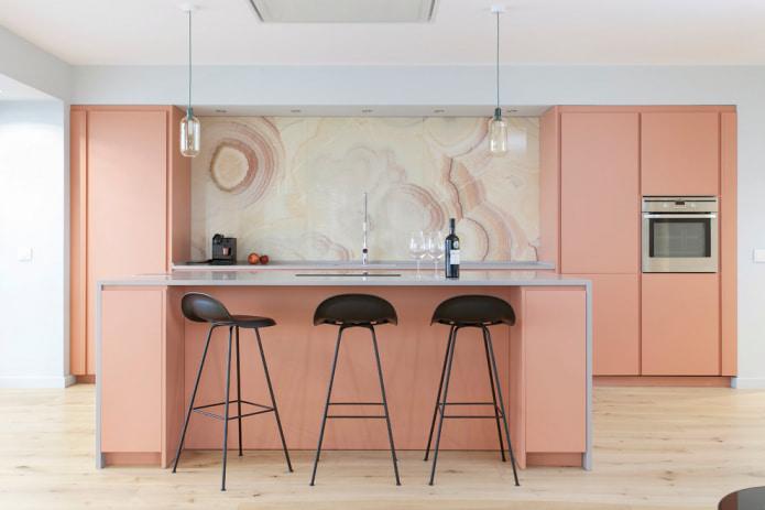 minimalistisk kjøkken med frokostbar