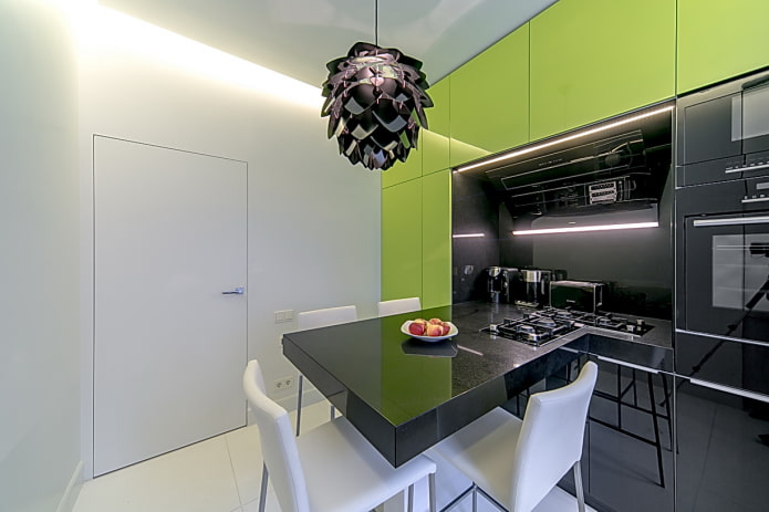 9-square high-tech kitchen