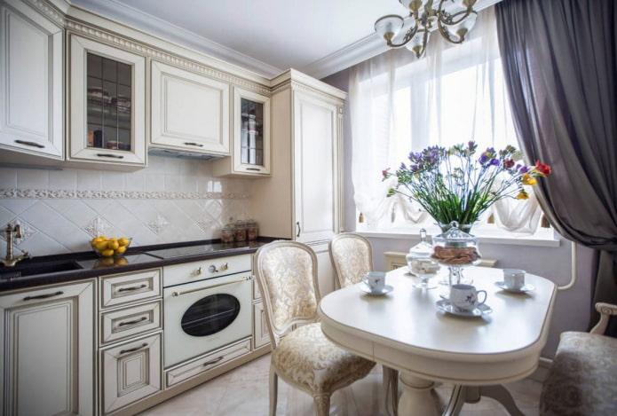 9-square classic kitchen