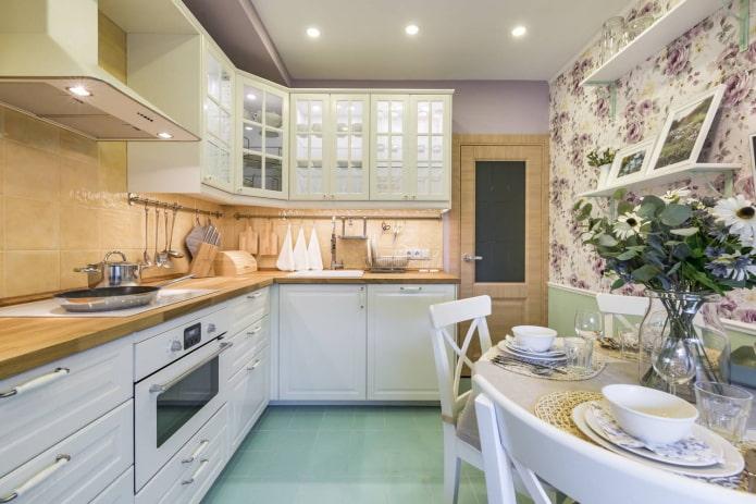 9-seat Provençal-style kitchen